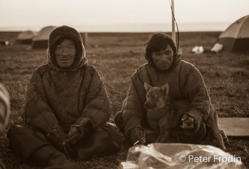 Inuiter som besökte vårt läger